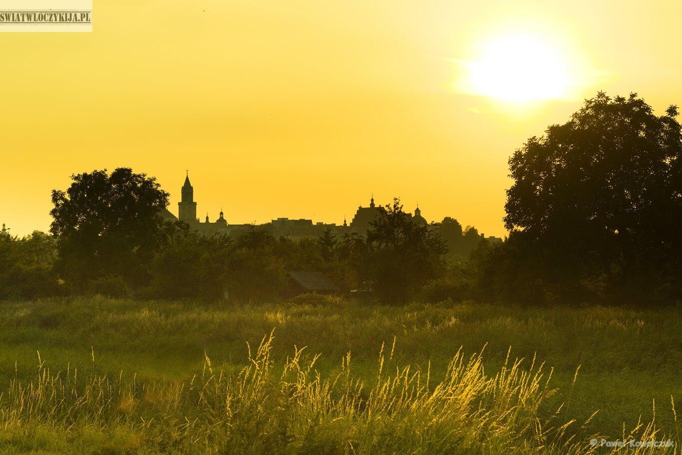 Lublin w blasku zachodzącego słońca