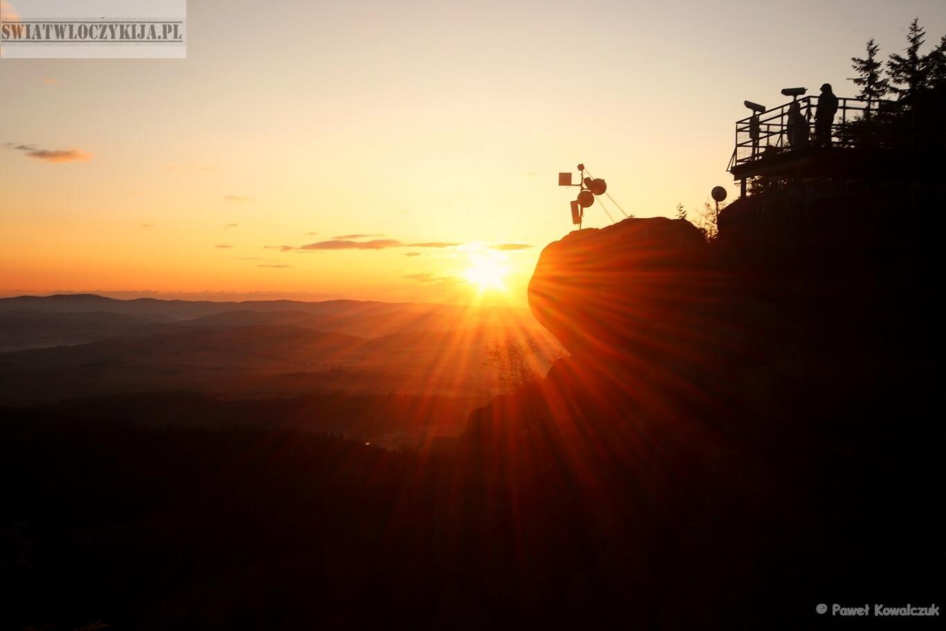 Szczeliniec - Wschód słońca