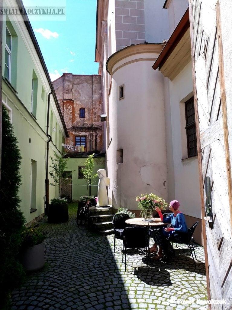 Wilno - jeden z ciekawych zaułków starego miasta