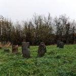 zabytkowe nagrobki na żydowskim cmentarzu (kirkucie)