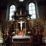ołtarz z relikwiami w klasztorze na Łysej Górze