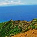 Wybrzeże Honolulu i w tle ocean spokojny