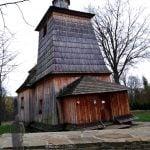 drewniana cerkiew we wsi Bałucianka