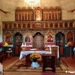 Cerkiew we wsi Bałucianka. Na zdjęciu ołtarz z ikonami