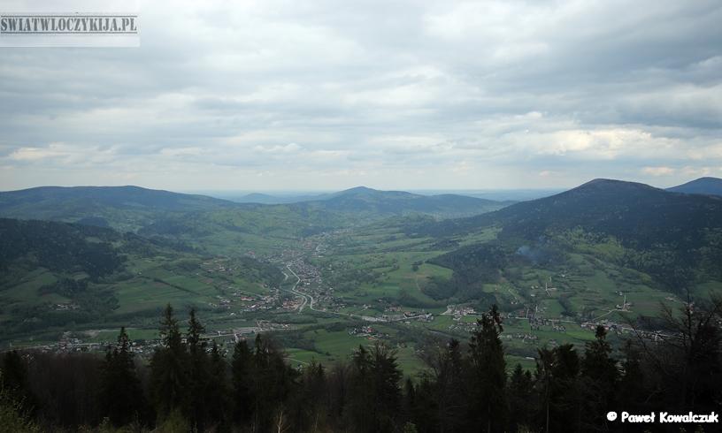 Widok z góry Szczebel. Panorama Beskidu Wyspowego