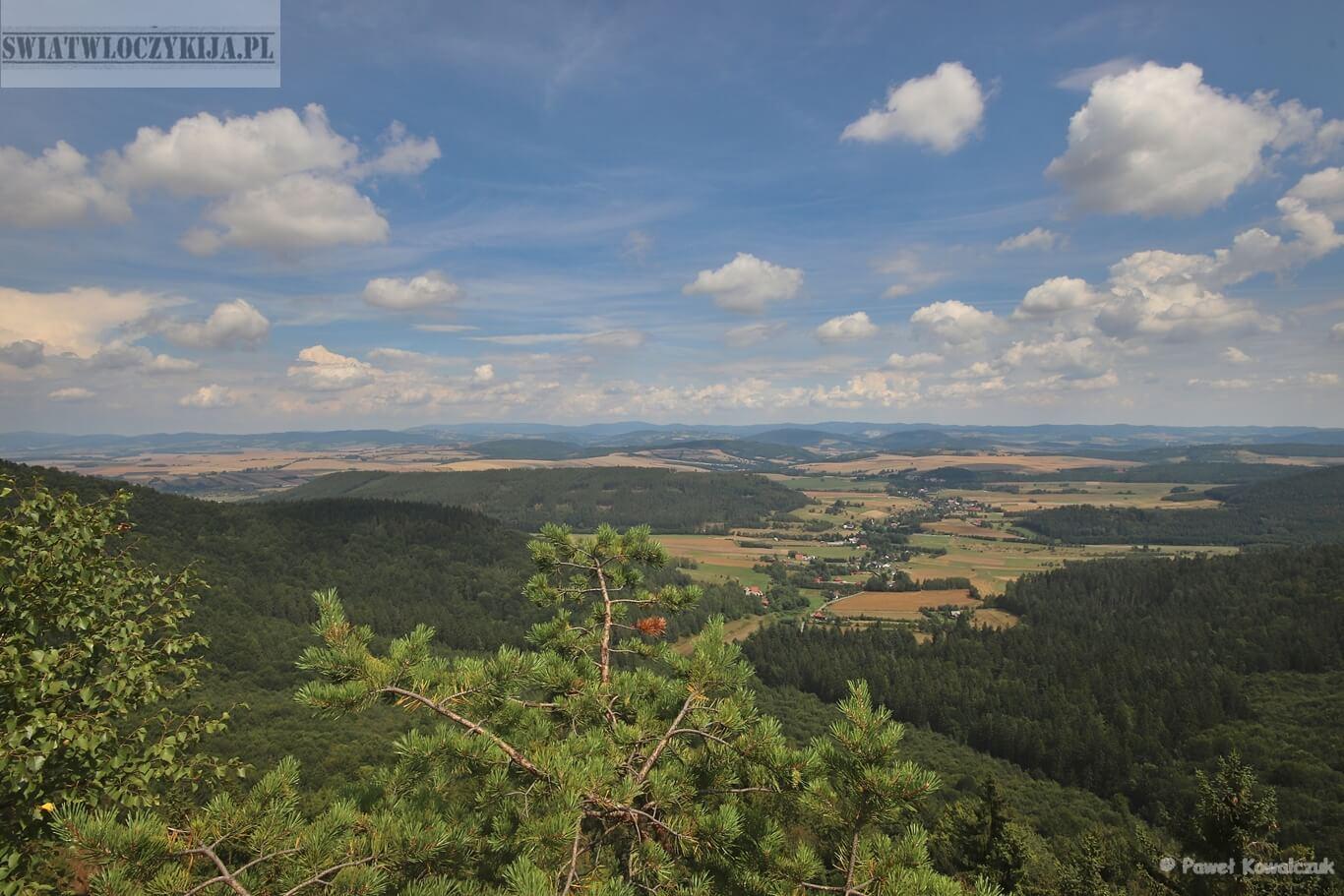 Widok ze skały Pielgrzym w Górach Stołowych