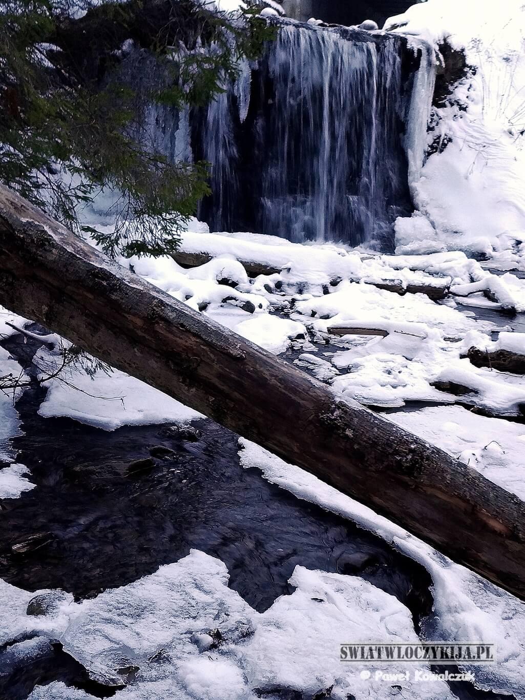 Wodospad Ostrowskich w Wetlinie.