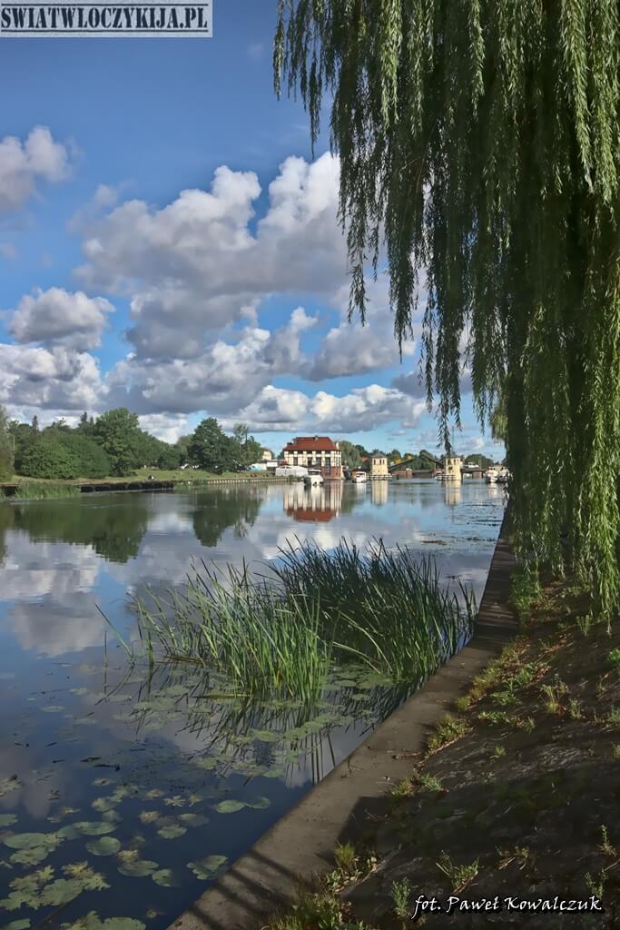 Kanał Elbląski - widok z bulwaru